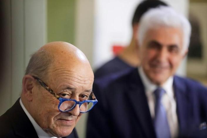 French Foreign Minister Jean-Yves Le Drian (L) and his Lebanese counterpart Nassif Hitti give a joint press conference in Beirut (AFP Photo/JOSEPH EID)