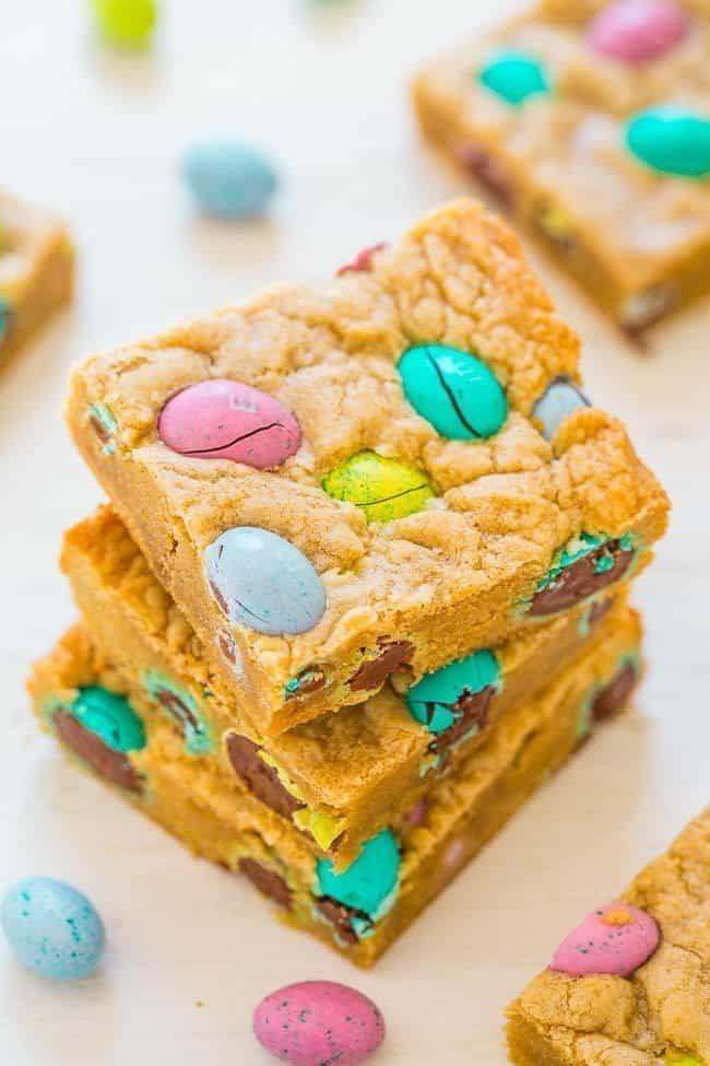 "<p>Here's an easy one. Make a classic blondies recipe and then add in mini chocolate eggs for a pop of color.</p><p><strong>Get the recipe at <a href=""https://www.averiecooks.com/easter-egg-blondies/"" rel=""nofollow noopener"" target=""_blank"" data-ylk=""slk:Averie Cooks"" class=""link rapid-noclick-resp"">Averie Cooks</a>.</strong></p><p><strong><a class=""link rapid-noclick-resp"" href=""https://go.redirectingat.com?id=74968X1596630&url=https%3A%2F%2Fwww.walmart.com%2Fbrowse%2Fhome%2Ffood-prep%2F4044_623679_133020_642199%3Ffacet%3Dbrand%253AThe%2BPioneer%2BWoman&sref=https%3A%2F%2Fwww.thepioneerwoman.com%2Ffood-cooking%2Fmeals-menus%2Fg35408493%2Feaster-desserts%2F"" rel=""nofollow noopener"" target=""_blank"" data-ylk=""slk:SHOP MIXING BOWLS"">SHOP MIXING BOWLS</a><br></strong></p>"