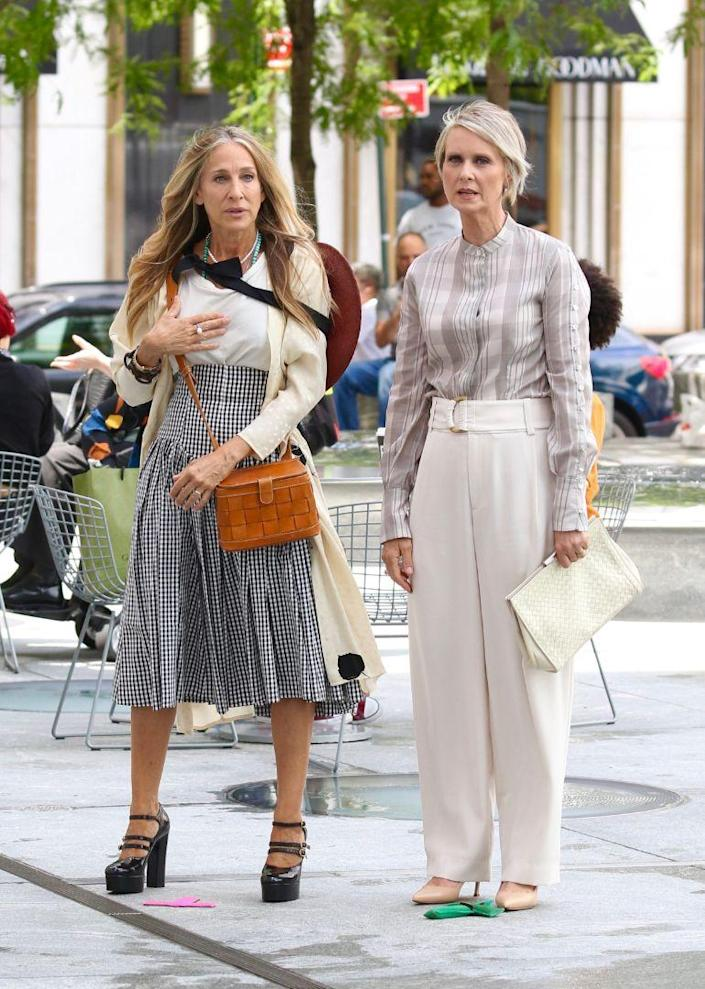 """Sarah Jessica Parker and Cynthia Nixon on location of """"Sex and the City"""" reboot, New York, July 9. - Credit: MEGA"""