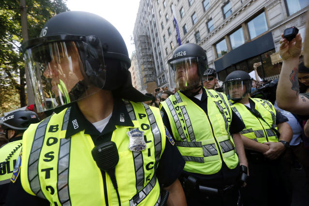 """<p>State and local police stand near Boston Common where a """"Free Speech"""" rally organized by conservative activists was being staged, Saturday, Aug. 19, 2017, in Boston, Mass. (Photo: Michael Dwyer/AP) </p>"""