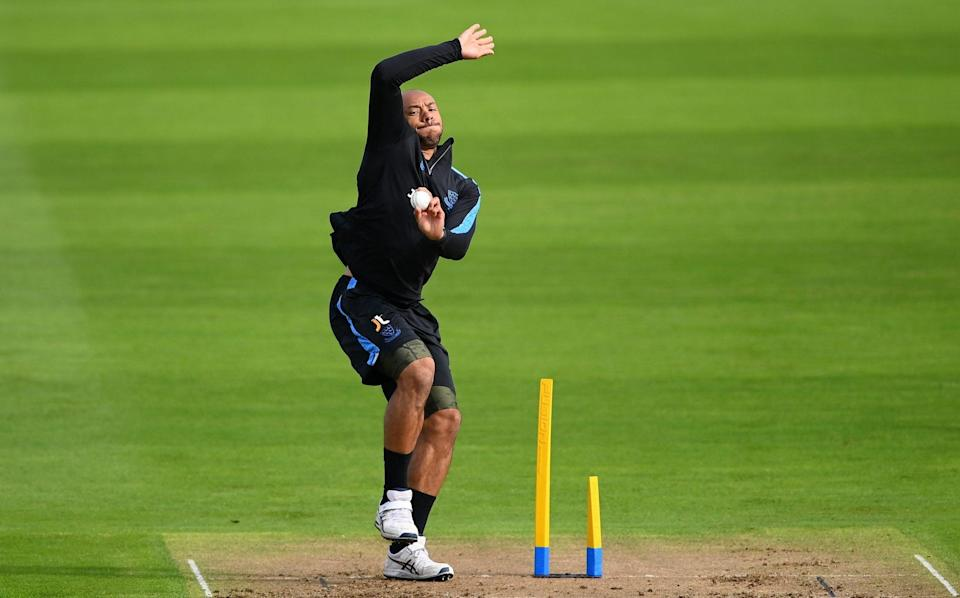 Tymal Mills bowling - GETTY IMAGES