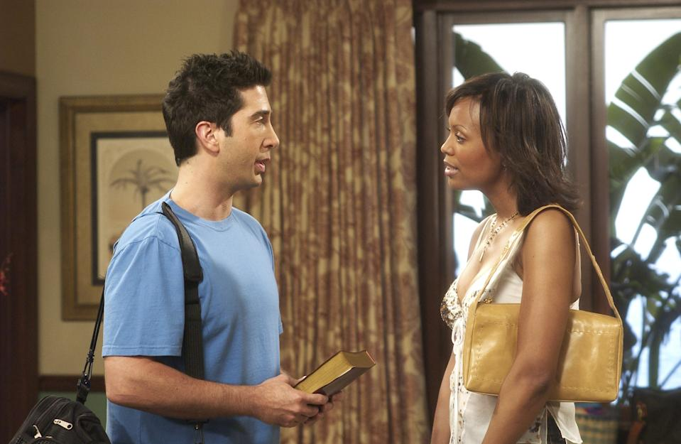 """Schwimmer says he """"pushed"""" for Ross to date women of color, such as Aisha Tyler's Dr. Charlie Wheeler. (Photo: NBCU Photo Bank)"""