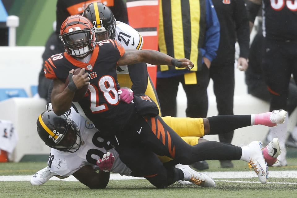 Much like everything else in Cincinnati, Joe Mixon's fantasy value will crash to the ground this week in Baltimore. (AP Photo/Gary Landers)