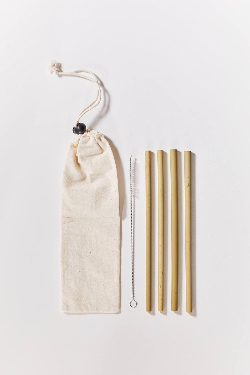 """<p><strong>Urban Outfitters</strong></p><p>urbanoutfitters.com</p><p><strong>$10.00</strong></p><p><a href=""""https://go.redirectingat.com?id=74968X1596630&url=https%3A%2F%2Fwww.urbanoutfitters.com%2Fshop%2Freusable-bamboo-straw-set&sref=https%3A%2F%2Fwww.countryliving.com%2Fshopping%2Fgifts%2Fg24700158%2Fbest-kitchen-gifts%2F"""" rel=""""nofollow noopener"""" target=""""_blank"""" data-ylk=""""slk:Shop Now"""" class=""""link rapid-noclick-resp"""">Shop Now</a></p><p>This is the ideal gift for the drink lover in your crowd who also loves the environment. Made from renewable bamboo, these reusable straws come with a cleaning brush and handy carrying pouch.</p>"""