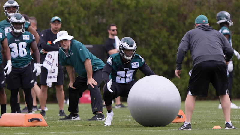 Are 2019 Eagles better or worse at running back?