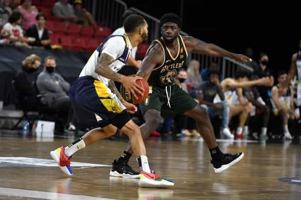 Edmonton Stingers star Xavier Moon scored 34 points, to go along with eight rebounds, seven assists and eight steals in the Stingers' 99-63 win over the Hamilton Honey Badgers Thursday. (Courtesy of the CEBL - image credit)