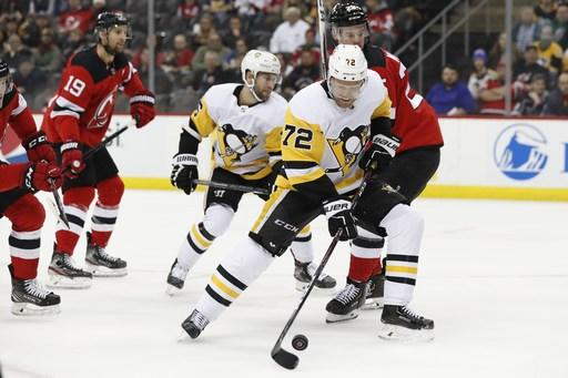 Penguins trade 2-time Cup winner Hornqvist to Panthers
