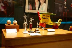 Faith Hill's childhood airplane desk and other memorabilia