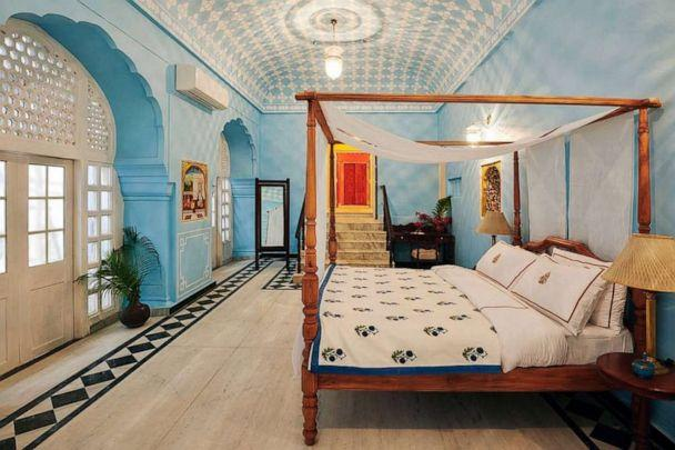 PHOTO: The City Palace - Jaipur. (Airbnb)