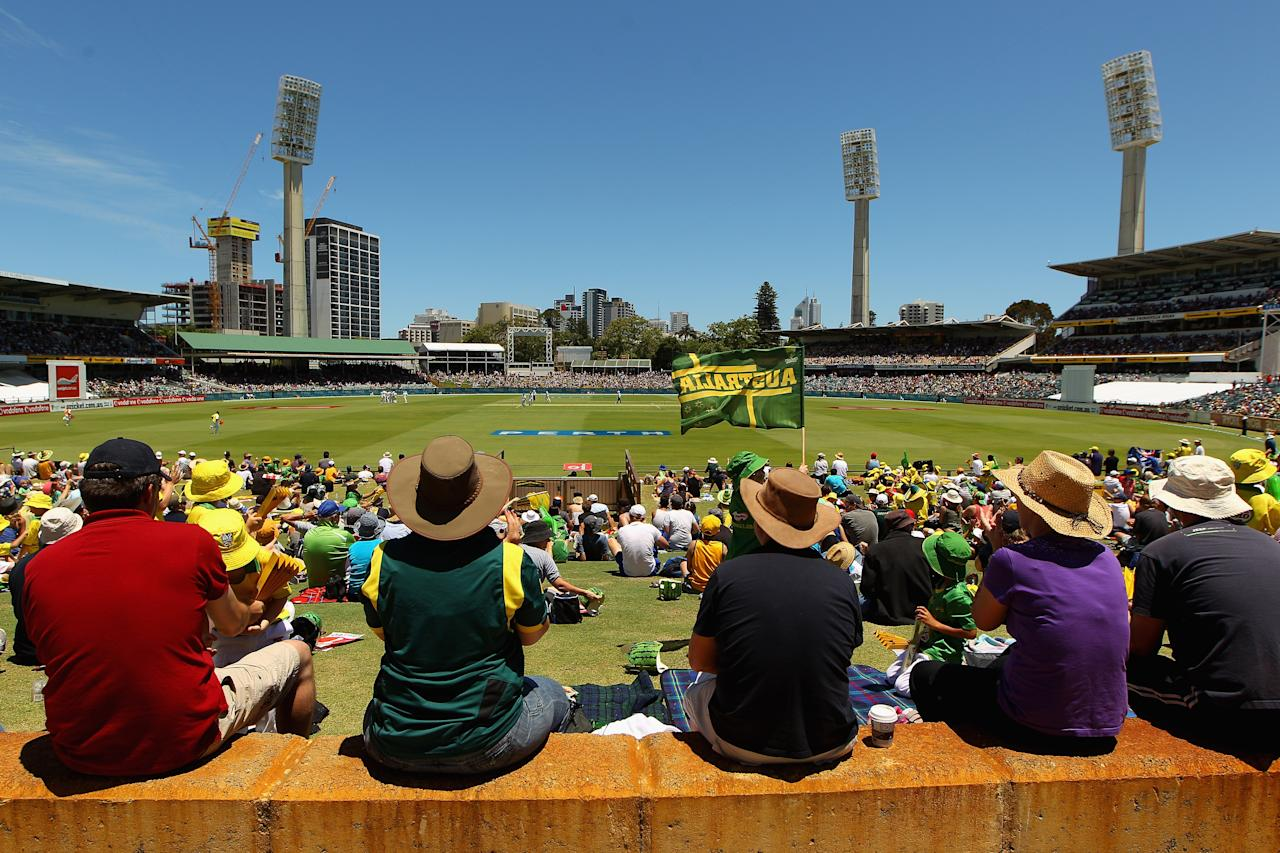 PERTH, AUSTRALIA - DECEMBER 02:  A general view during day three of the Third Test Match between Australia and South Africa at the WACA on December 2, 2012 in Perth, Australia.  (Photo by Cameron Spencer/Getty Images)