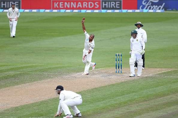 DUNEDIN, NEW ZEALAND - MARCH 11: Jeetan Patel of New Zealand bowls during day four of the First Test match between New Zealand and South Africa at University Oval on March 11, 2017 in Dunedin, New Zealand. (Photo by Dianne Manson/Getty Images)
