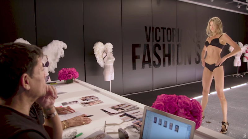 Victoria's Secret show fans will love this BTS look. Photo: Youtube