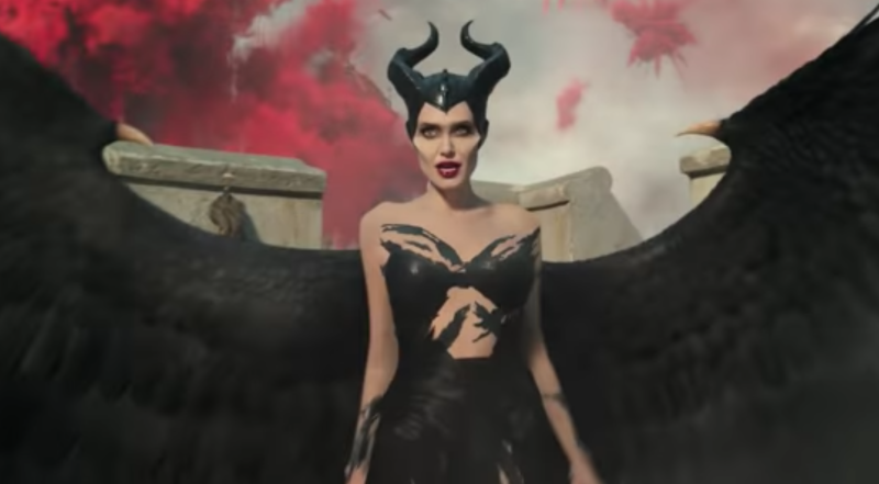First Trailer For Maleficent Mistress Of Evil Pits