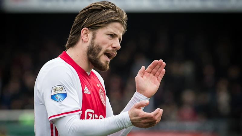 VIDEO: Schone nets for Ajax with thunderbolt free kick