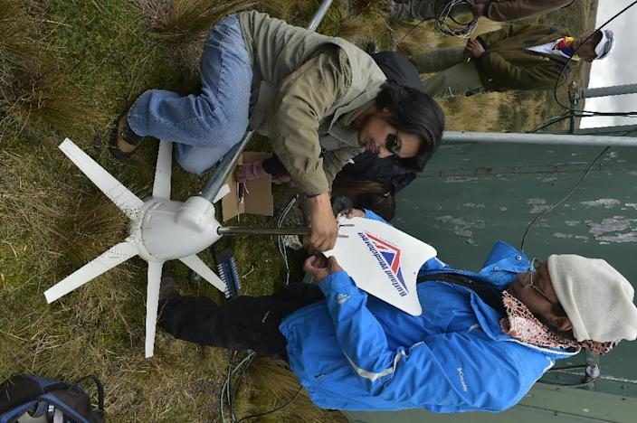 The Geophysical Institute of Ecuador receives real-time data from 60 stations installed around Cotopaxi, which is analyzed 24 hours a day by a team of 80 experts (AFP Photo/Rodrigo Buendia)