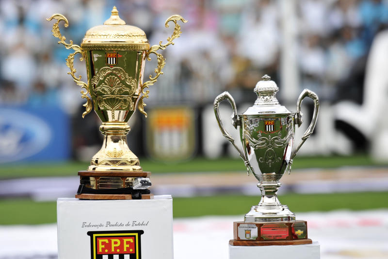 SANTOS, BRAZIL - MAY 19: View of the Championship Cup during the match between Santos and Corinthians as part of Paulista Championship at Vila Belmiro Stadium on May 19, 2013 in Santos, Brazil. (Photo by Hélio Suenaga/LatinContent via Getty Images)