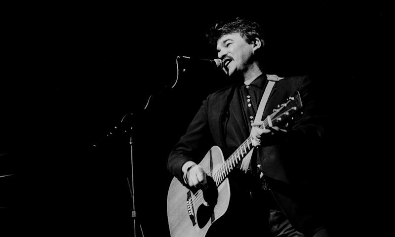 John Prine on stage in Chicago, 1985.