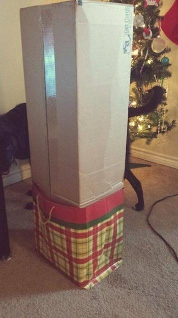 <p>When the dollar store doesn't have a gift bag big enough for your present. [Photo: Diply] </p>