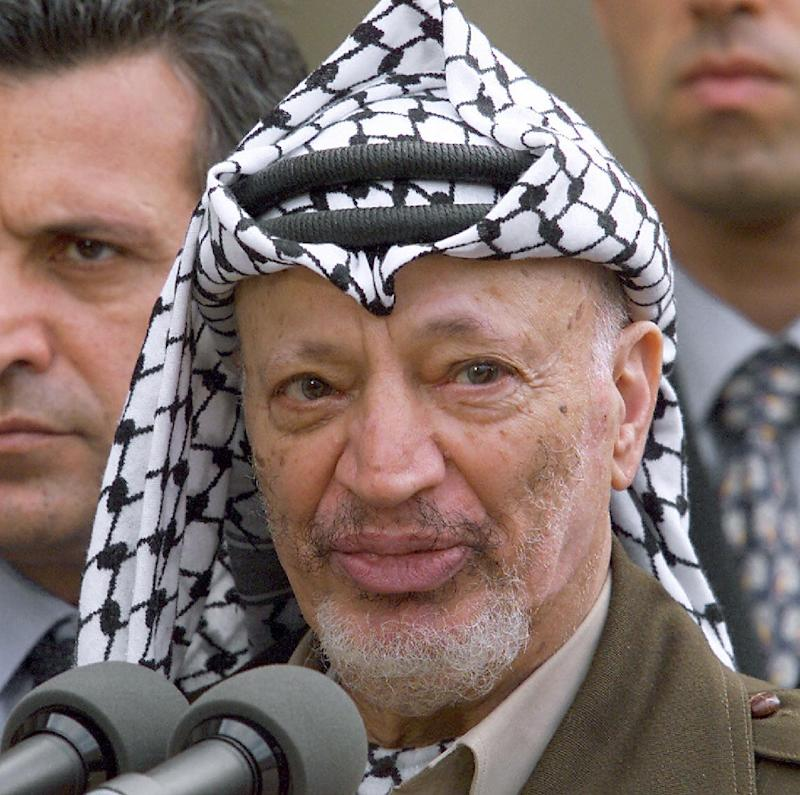 Palestinian leader Yasser Arafat talking to the press at the Elysee presidential palace in Paris on July 29, 2000