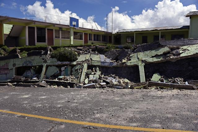 <p>View of damages caused by the earthquake, which mainly hit Mexico, in Tacana municipality, San Marcos departament, in the border with Mexico, 320 km from Guatemala City, on Sept. 8, 2017. (Photo: Johan Ordonez/AFP/Getty Images) </p>