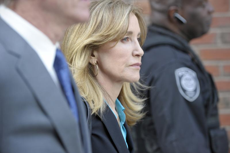Prosecutors: In College Admissions Scam, Felicity Huffman's 'Moral Cluelessness' Warrants Jail Sentence