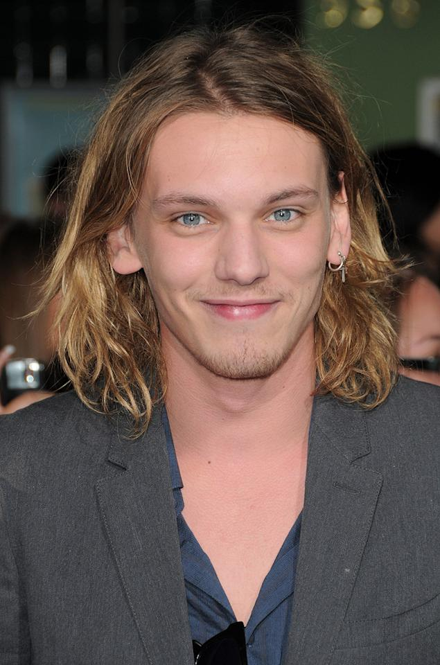 "<a href=""http://movies.yahoo.com/movie/contributor/1809963627"">Jamie Campbell Bower</a> at the Los Angeles premiere of <a href=""http://movies.yahoo.com/movie/1810055802/info"">The Twilight Saga: New Moon</a> - 11/16/2009"