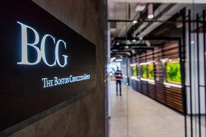 New BCG Office at 10 Hudson Yards Aims to Maximize Casual Collisions