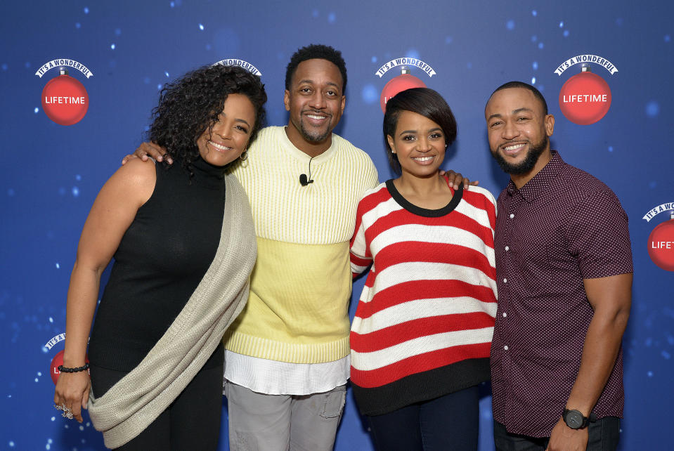 """GLENDALE, CALIFORNIA - NOVEMBER 09:  (L - R) Actors Kim Fields, Jaleel White, Kyla Pratt and Percy Daggs III attend Say """"Santa!"""" with It's A Wonderful Lifetime photo experience at Glendale Galleria on November 09, 2019 in Glendale, California. (Photo by Michael Tullberg/Getty Images)"""
