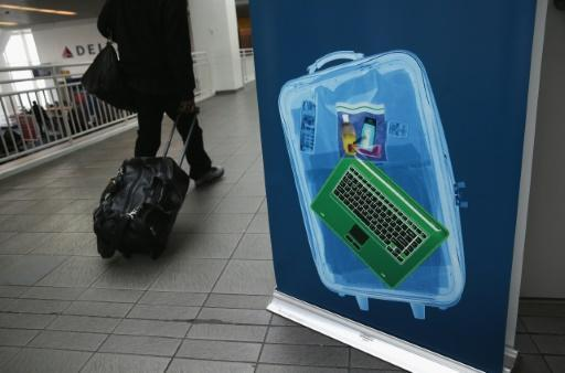 EU, US to hold talks on airline laptop ban next week