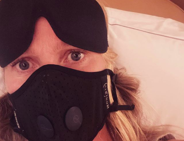 """""""Contagion"""" star Gwyneth Paltrow posts photo in face mask"""