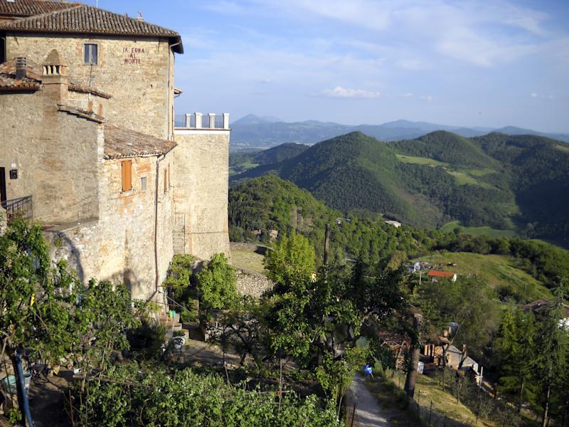 This May 2010 photo shows a view from the  hilltop town of Monte Santa Maria Tiberina in the Umbria region of Italy. Umbria boasts beautiful landscapes, terrific food, impressive art and architecture, and a wealth of history.    (AP Photo/Kathy Matheson)
