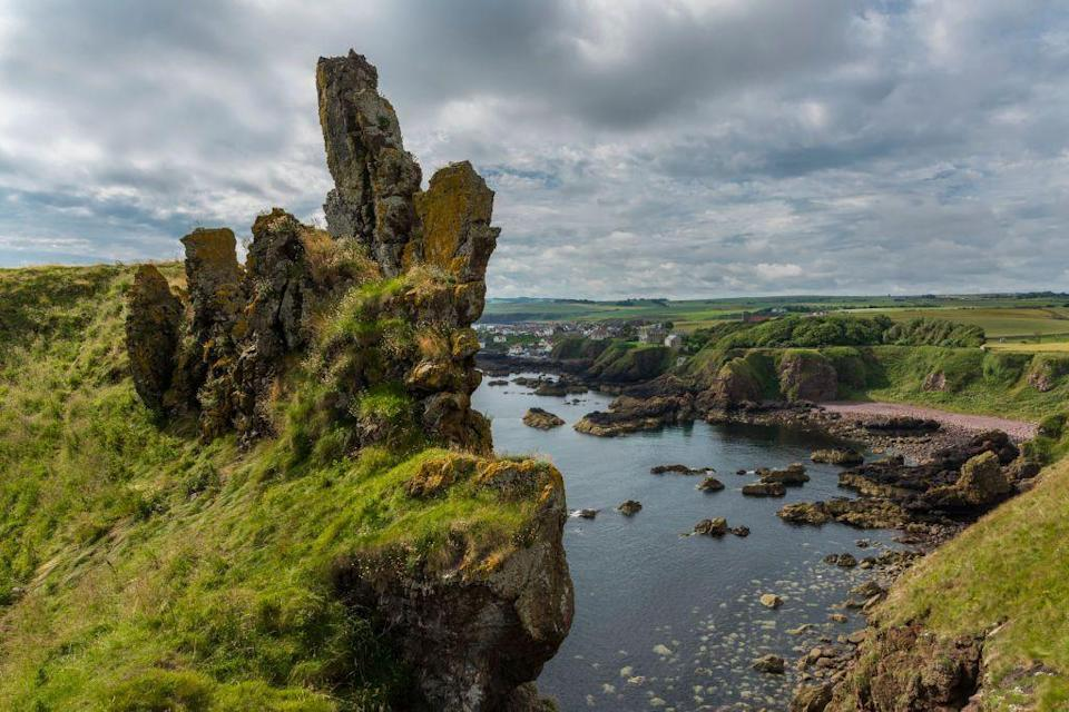 "<p>This four-mile walk is not for the fainthearted but promises those who brave it dramatic views and freshwater lochs. Set out from the National Trust car park, which sits above the Berwickshire fishing village of St Abbs, and follow the ascending road above Mire Loch before joining the coastal path.</p><p>This is a walk to take a few stops as you take in the surroundings, from the Victorian lighthouse to the crashing waves below.</p><p><a class=""link rapid-noclick-resp"" href=""https://go.redirectingat.com?id=127X1599956&url=https%3A%2F%2Fwww.nts.org.uk%2Fvisit%2Fplaces%2Fst-abbs-head&sref=https%3A%2F%2Fwww.prima.co.uk%2Ftravel%2Fg34962099%2Fbest-walks-in-uk%2F"" rel=""nofollow noopener"" target=""_blank"" data-ylk=""slk:MORE INFO"">MORE INFO</a></p><p><strong>Where to stay:</strong> Located in St Abbs, <a href=""https://go.redirectingat.com?id=127X1599956&url=https%3A%2F%2Fwww.booking.com%2Fhotel%2Fgb%2Frock-cottage-st-abbs-near-eyemouth.en-gb.html%3Faid%3D2070936%26label%3Dbest-walks-uk&sref=https%3A%2F%2Fwww.prima.co.uk%2Ftravel%2Fg34962099%2Fbest-walks-in-uk%2F"" rel=""nofollow noopener"" target=""_blank"" data-ylk=""slk:Rock Cottage"" class=""link rapid-noclick-resp"">Rock Cottage</a> boasts a prime shoreside location for two people to enjoy an intimate hideaway after a bracing sea walk. They also welcome dogs by prior arrangement. </p><p><a class=""link rapid-noclick-resp"" href=""https://go.redirectingat.com?id=127X1599956&url=https%3A%2F%2Fwww.booking.com%2Fhotel%2Fgb%2Frock-cottage-st-abbs-near-eyemouth.en-gb.html%3Faid%3D2070936%26label%3Dbest-walks-uk&sref=https%3A%2F%2Fwww.prima.co.uk%2Ftravel%2Fg34962099%2Fbest-walks-in-uk%2F"" rel=""nofollow noopener"" target=""_blank"" data-ylk=""slk:CHECK AVAILABILITY"">CHECK AVAILABILITY</a></p>"