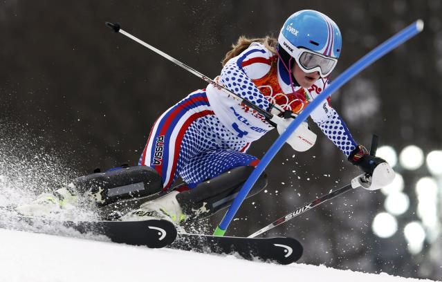 Russia's Elena Yakovishina competes in the slalom run of the women's alpine skiing super combined event during the 2014 Sochi Winter Olympics at the Rosa Khutor Alpine Center February 10, 2014. REUTERS/Stefano Rellandini (RUSSIA - Tags: SPORT SKIING OLYMPICS)