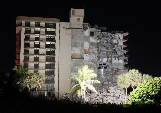 Approximately 55 units in the 136-unit structure collapsed at 1:30 a.m., authorities said. (Photo: Joe Raedle via Getty Images)