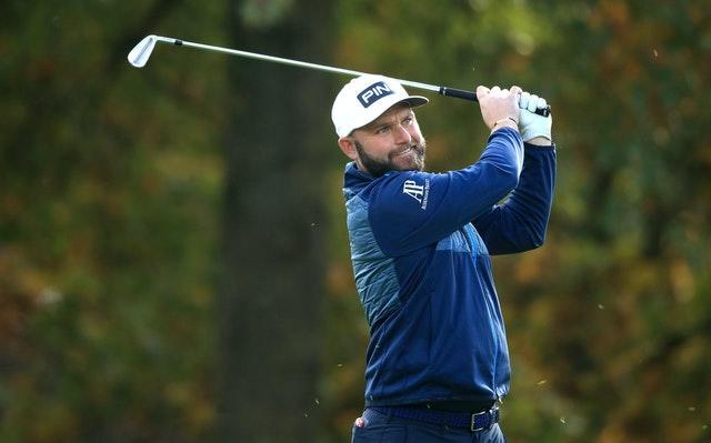 Andy Sullivan looked on course for a wire-to-wire victory in Dubai