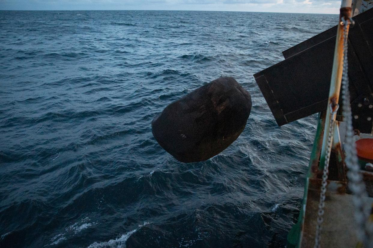 Greenpeace drops a sculpture rock into the Dogger Bank marine reserve