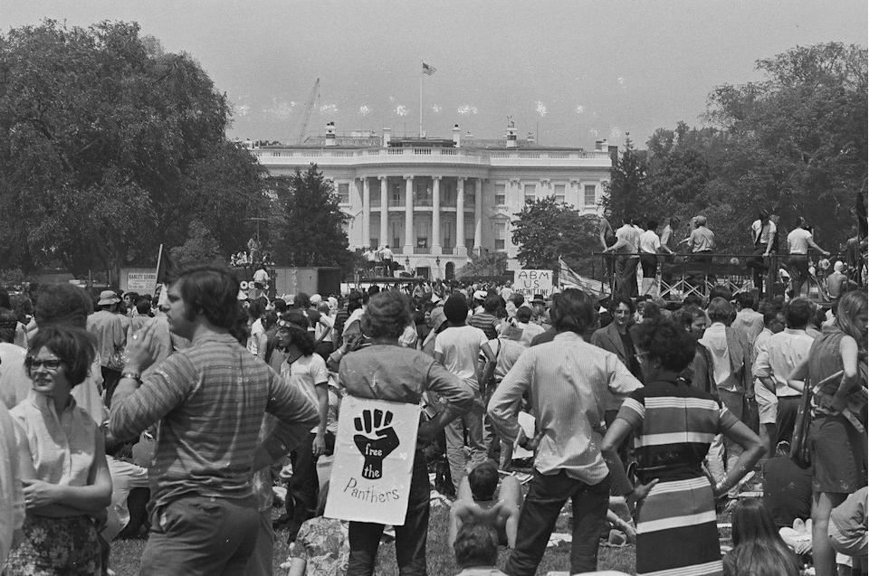 <p>Demonstrators gathered in front of the White House to condemn American involvement in Vietnam. This specific protest came after the Kent State shootings and the Nixon administration's Cambodian incursion. </p>
