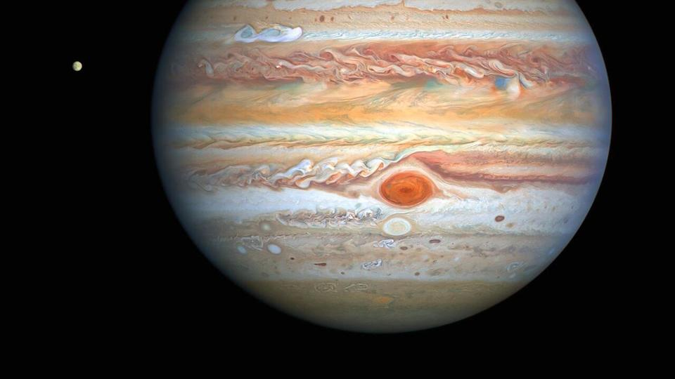 'Storm watcher' Hubble sees winds in Jupiter's Great Red Spot speeding up