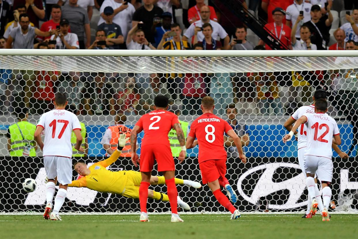 Pickford can't keep Sassi's penalty out