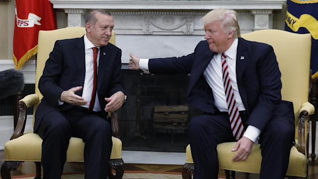 <p>Turkey's President Recep Tayyip Erdogan (L) meets with U.S President Donald Trump in the Oval Office of the White House in Washington, U.S. May 16, 2017. (Kevin Lamarque/Reuters) </p>
