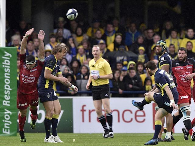 Camille Lopez kicks for Clermont (Getty)