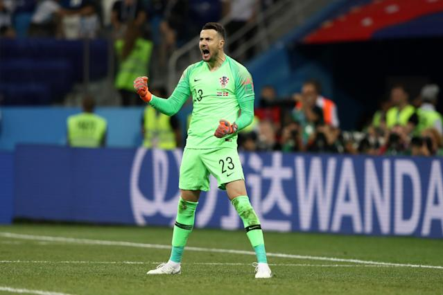 Subasic comemora após pegar pênalti de Eriksen (Photo by Jamie Squire – FIFA/FIFA via Getty Images)