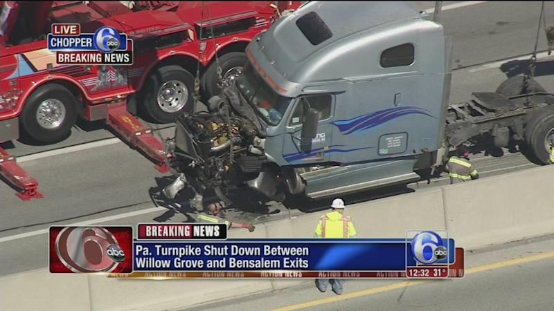 Accident shuts down Pennsylvania Turnpike between Bensalem and