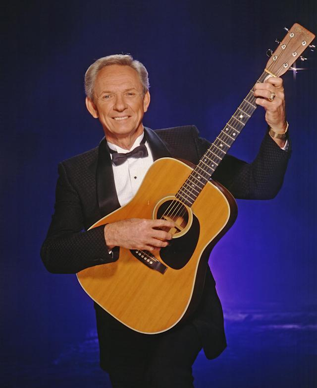 <p>Mel Tillis was a country singer, songwriter, and actor. He died Nov. 19 of respiratory failure at the age of 87.<br>(Photo: Getty Images) </p>
