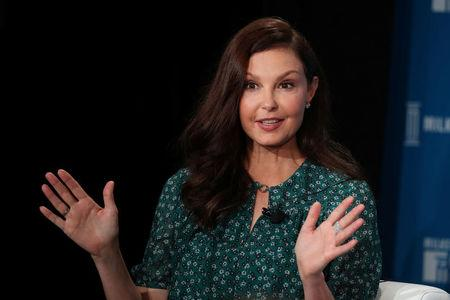 Ashley Judd sues Harvey Weinstein, says tried to hurt career