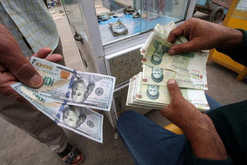 Iranian Rials U S Dollars And Iraqi Dinars Are Seen At A Currency Exchange Êin Basra