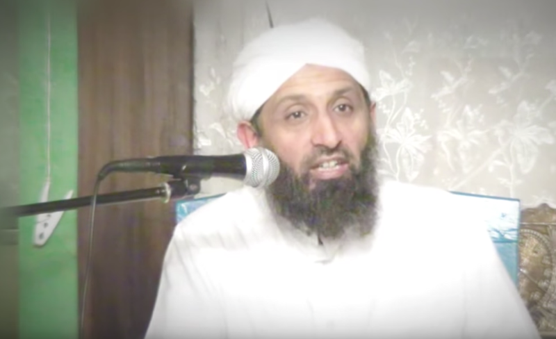 Imam Yunus Dudhwala said that no British mosques promote extremism or violence