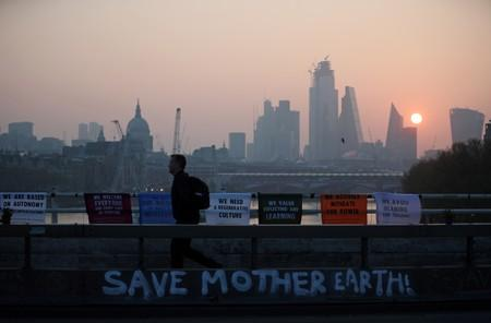 Britain to bid to host 2020 U.N. climate talks
