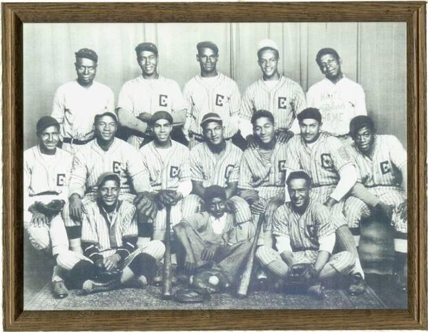 The Chatham Coloured All-Stars, in a photo from the scrapbook of the family of Wilfred (Boomer) Harding, one of the players on the 1930s Ontario team. (Supplied photo - image credit)