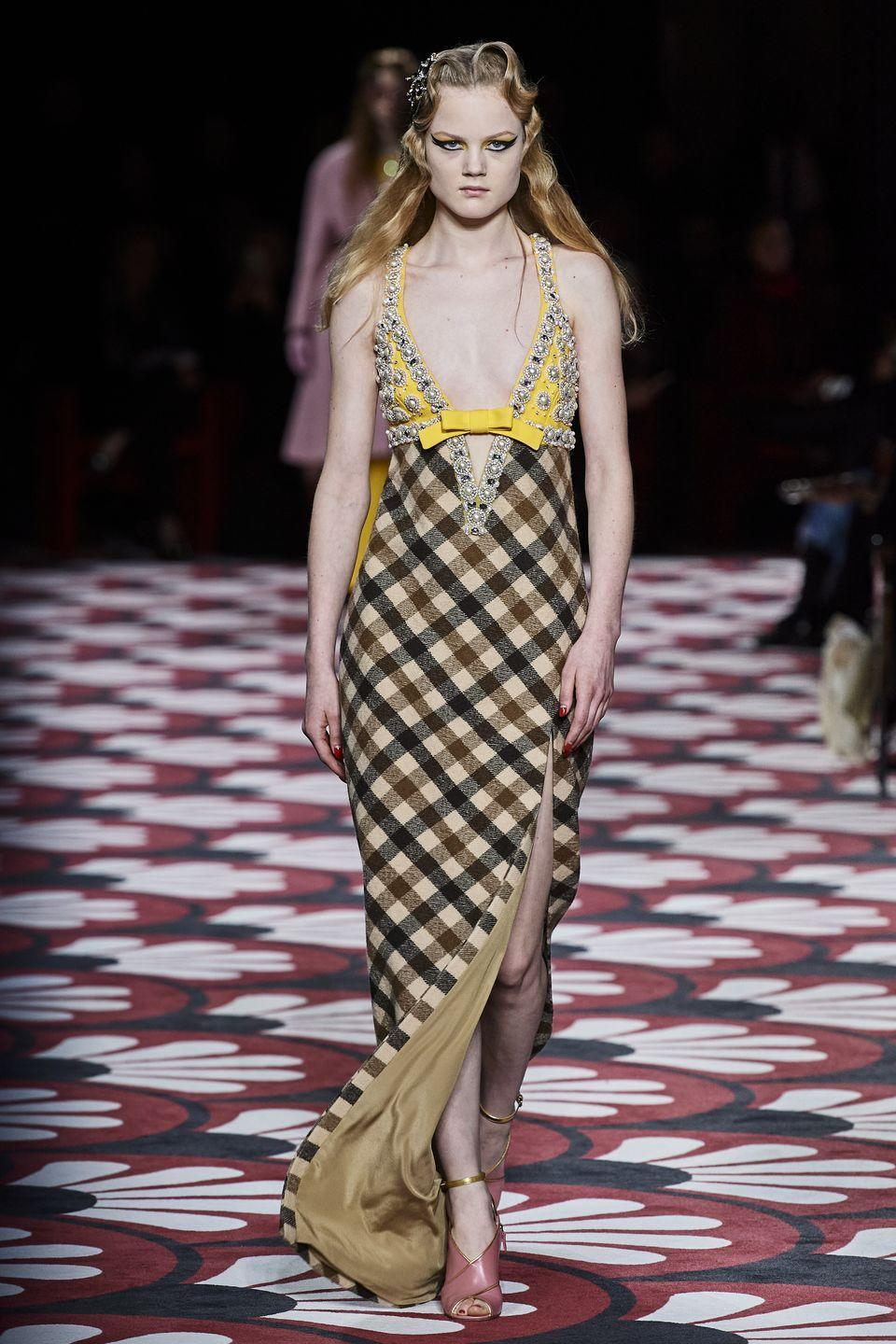 <p>Plaid that's bigger and better than ever, these checks are here to make a statement.</p><p><em>Miu Miu</em></p>